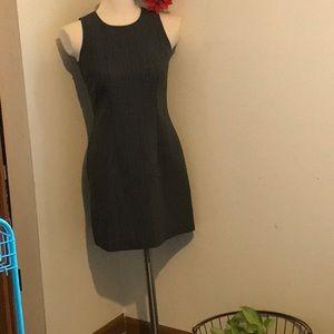 Cute figure fitting dress in a size 3 petite!